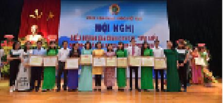 13 gia đình CNVCLĐ tiêu biểu Vietcombank được Công đoàn Ngân hàng Việt Nam vinh danh