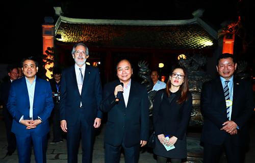 Thủ tướng gặp mặt các doanh nhân quốc tế tại Văn Miếu - Quốc Tử Giám