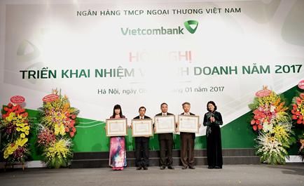 Vietcombank tổ chức Hội nghị triển khai nhiệm vụ kinh doanh năm 2017