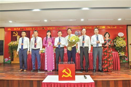 Trung tâm Thông tin tín dụng Quốc gia Việt Nam: Công tác Đảng - Chìa khóa thành công