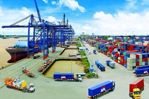 Xuất khẩu tiếp tục tăng mạnh, xuất siêu gần 3 tỷ USD