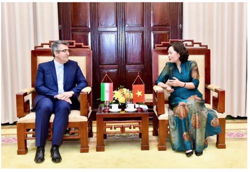 Thống đốc Nguyễn Thị Hồng tiếp Đại sứ Iran và Đại sứ Hàn Quốc tại Việt Nam