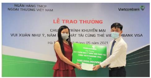 """Vietcombank Thăng Long trao thưởng chương trình khuyến mại """"xuân vui như ý, năm mới phát tài  cùng thẻ Vietcombank visa"""""""