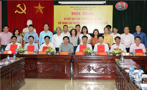 Ký kết Quy chế phối hợp công tác giữa NHNN chi nhánh tỉnh Hà Nam với UBND các huyện, thành phố trên địa bàn