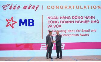 MB nhận giải thưởng Ngân hàng bán lẻ tiêu biểu và Ngân hàng đồng hành cùng doanh nghiệp nhỏ và vừa