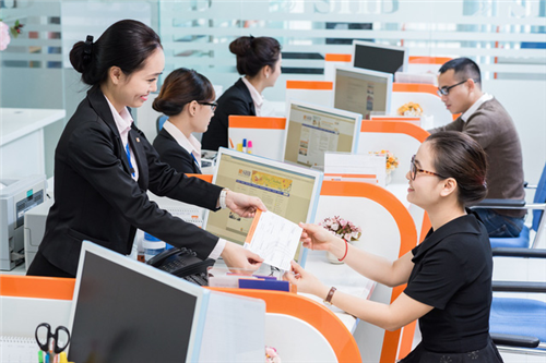 Những xu hướng mới trong hoạt động kinh doanh ngân hàng và vấn đề đặt ra với các ngân hàng thương mại Việt Nam