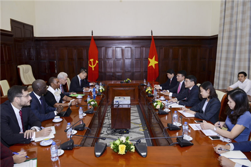 Thống đốc Lê Minh Hưng làm việc với bà Sandie Okoro, Phó Chủ tịch cao cấp kiêm Luật sư trưởng của Nhóm Ngân hàng Thế giới