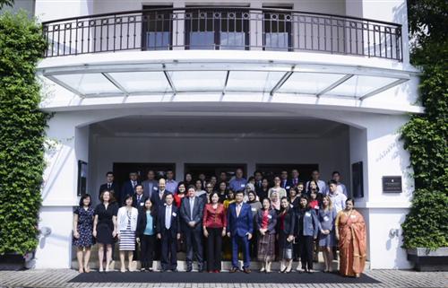 Hội thảo quốc tế về Nâng cao nhận thức và Bảo vệ người Tiêu dùng Tài chính
