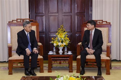 Thống đốc Lê Minh Hưng tiếp Chủ tịch Ủy ban Quản lý Giám sát Ngân hàng Trung Quốc