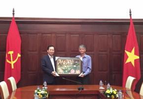 Phó Thống đốc Đào Minh Tú làm việc với đoàn công tác của Ủy ban nhân dân tỉnh Đồng Tháp