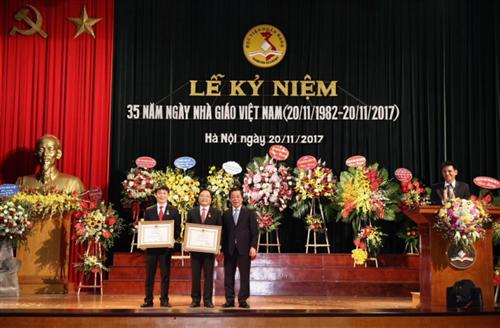 Học viện Ngân hàng kỷ niệm 35 năm ngày Nhà giáo Việt Nam 20/11