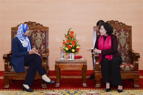 Phó Thống đốc Nguyễn Thị Hồng làm việc với Giám đốc Điều hành phụ khuyết Nhóm các nước Đông Nam Á của WB