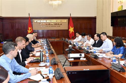 Phó Thống đốc NHNN Đào Minh Tú làm việc với đại diện DID về Dự án Đẩy mạnh hệ thống Quỹ tín dụng nhân dân
