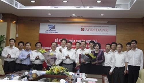 Agribank và Đại học Quốc gia Tp Hồ Chí Minh ký kết thỏa thuận hợp tác toàn diện