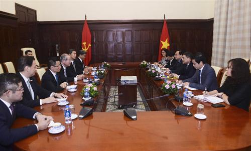 Thống đốc NHNN Lê Minh Hưng tiếp Chủ tịch Tập đoàn Tài chính Sumitomo Mitsui