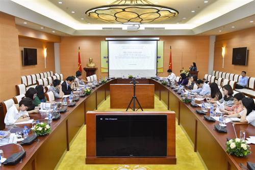 Đầu tư trực tiếp ra nước ngoài của các NHTM: Thực tiễn và khuyến nghị chính sách cho Việt Nam