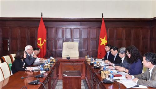 Thống đốc Lê Minh Hưng làm việc với Ban liên lạc K