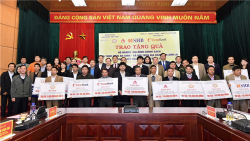 Ngân hàng Việt Nam thực hiện chương trình ASXH trên địa bàn tỉnh Sơn La nhân dịp Tết Nguyên đán Kỷ Hợi 2019