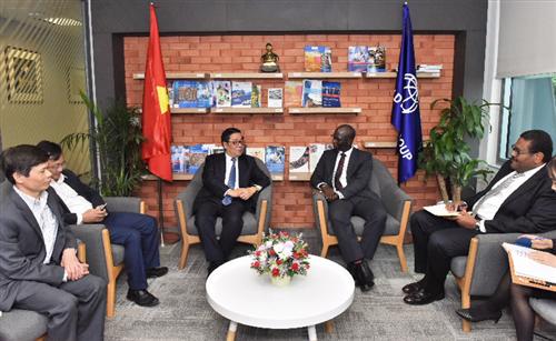 Phó Thống đốc Nguyễn Kim Anh đến thăm và làm việc với WB