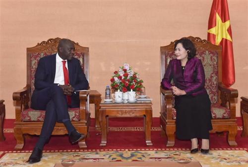 Phó Thống đốc NHNN Nguyễn Thị Hồng tiếp Phó Chủ tịch Ngân hàng Thế giới
