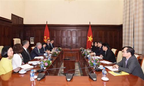 Thống đốc Lê Minh Hưng tiếp ông Alfred F. Kelly Jr - Tổng giám đốc Tập đoàn Visa