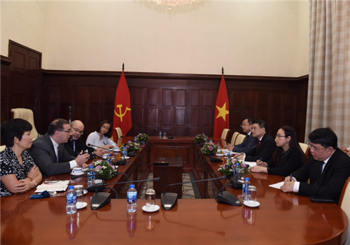 Thống đốc NHNN tiếp Ông Francois Painchaud – Tân Trưởng đại diện của IMF tại Việt Nam