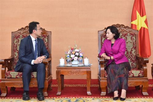 Phó Thống đốc Nguyễn Thị Hồng làm việc với Giám đốc phụ khuyết Văn phòng Nhóm Đông Nam Á – IMF