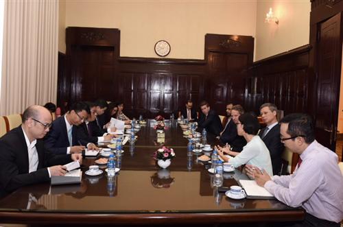 Phó Thống đốc Nguyễn Kim Anh làm việc với Chủ tịch toàn cầu Quỹ Đầu tư Warburg Pincus