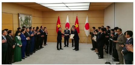 Vietcombank và JBIC trao đổi văn kiện hợp đồng tín dụng 200 triệu USD hỗ trợ dự án năng lượng tái tạo tại Tokyo