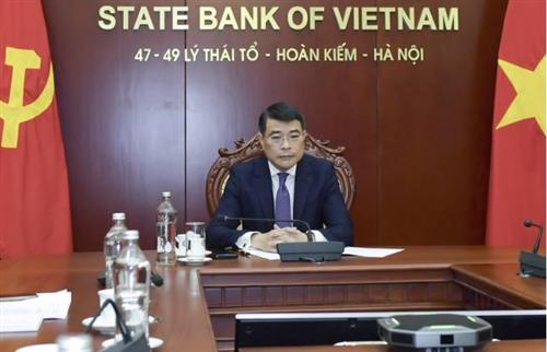 Thống đốc Lê Minh Hưng tham dự Thảo luận bàn tròn trực tuyến về Vai trò NHTW trong việc ứng phó với rủi ro biến đổi khí hậu