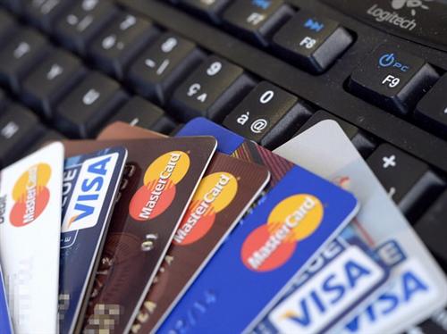 Dịch vụ thẻ: Khách hàng chỉ phải trả phí cho dịch vụ mà mình sử dụng